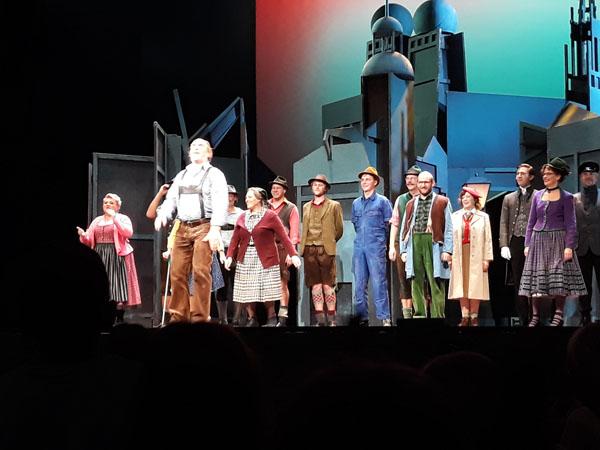 theater18-11-05.jpg