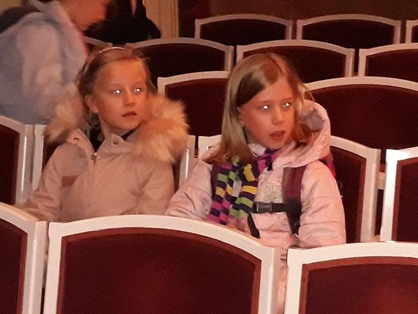 theater18-11-07.jpg